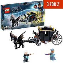 LEGO Fantastic Beasts Grindelwald's Escape Toy - 75951 Best Price, Cheapest Prices